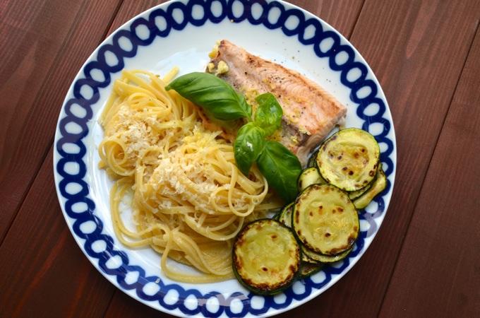 Pasta mit Zitronen-Parmesan-Soße