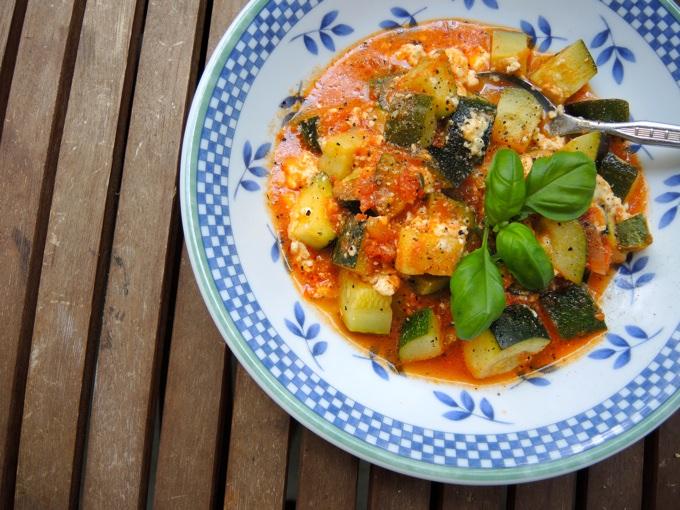 Zucchini in Tomatensoße