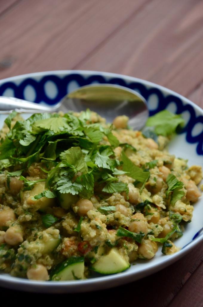 Freestyle Quinoa Gemüse Kichererbsen Gericht