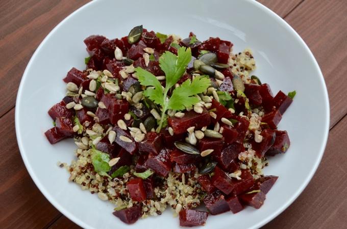 rote bete salat mit waln ssen herbstlicher salat mit rote. Black Bedroom Furniture Sets. Home Design Ideas
