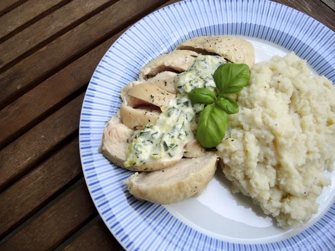 Hähnchenbrustfilet aus dem Ofen mit Blumenkohl