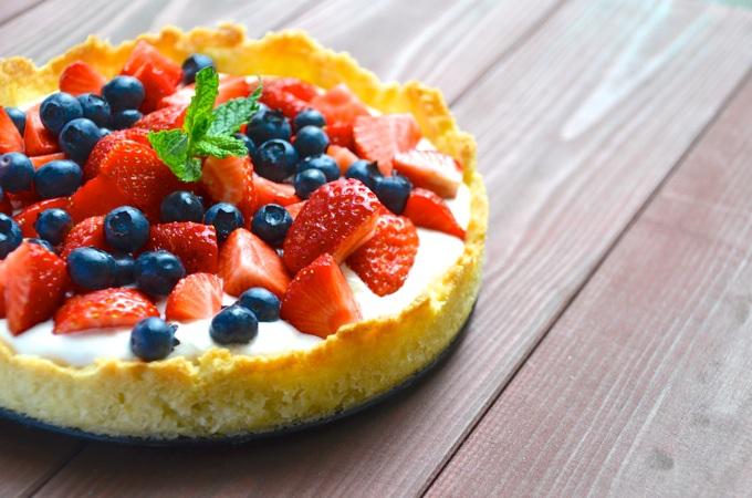 Sommerkuchen mit Joghurtcreme